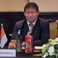 Prof. Dr. Ali Maksum, S.Pd., M.Si.