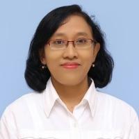 Dra. Raden Roro Dyah Woroharsi Parnaningroem, M.Pd.